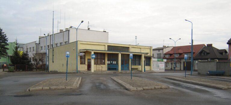 Zuchwała kradzież na dworcu autobusowym w Pajęcznie