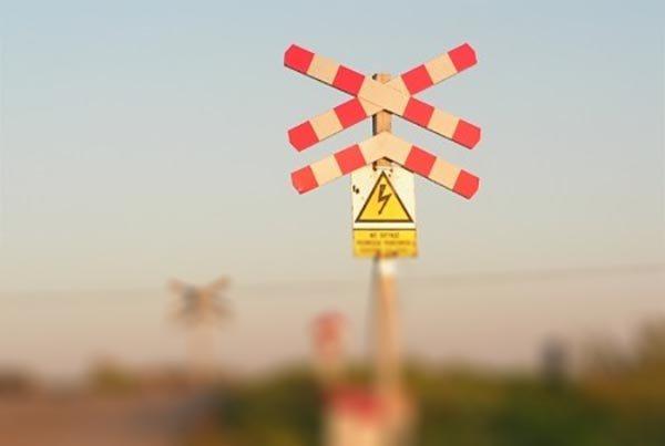 przejazd kolejowy znaki