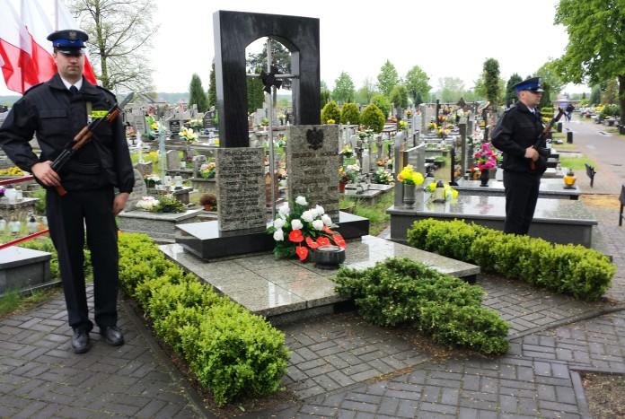 policja grób nieznanego żołnierza