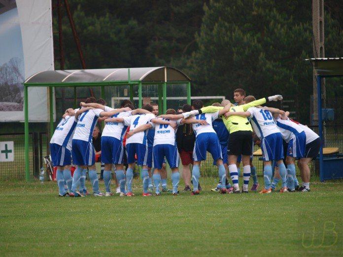 Derby Powiatu Warta Działoszyn Zawisza Pajeczno Wojtek Beska (3)