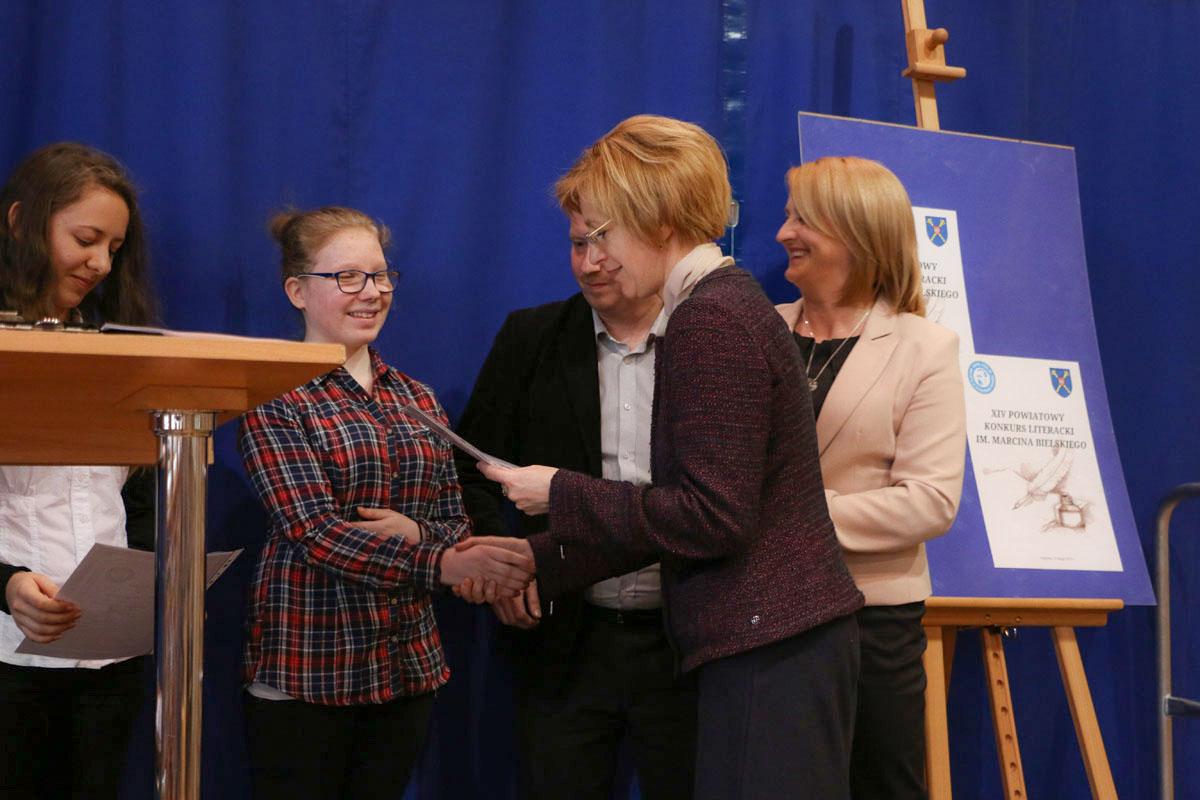 Laureaci konkursu literackiego nagrodzeni