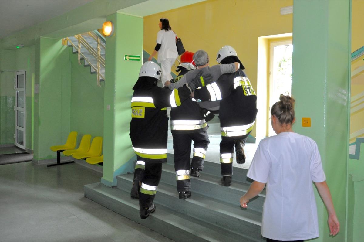 Ewakuacja szpitala w Pajęcznie [ZDJĘCIA]