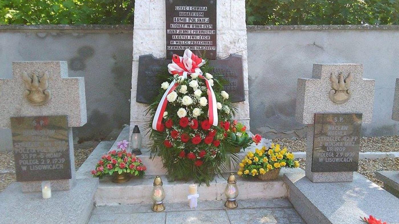 W Działoszynie uczczono ofiary II wojny światowej