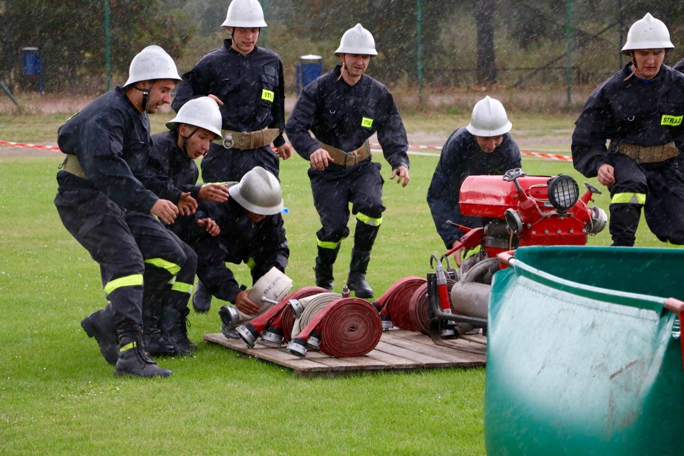 Gminne zawody sportowo-pożarnicze w Pajęcznie