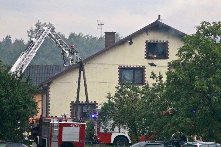 Pożar w Białej Ameryce. Piorun uderzył w dom