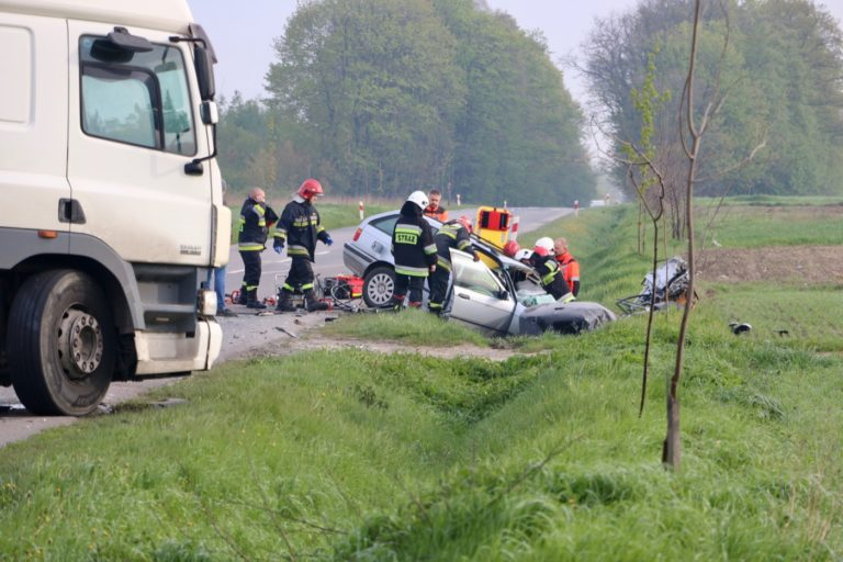 Śmiertelny wypadek pod Działoszynem. Nie żyje 31-letnia kobieta