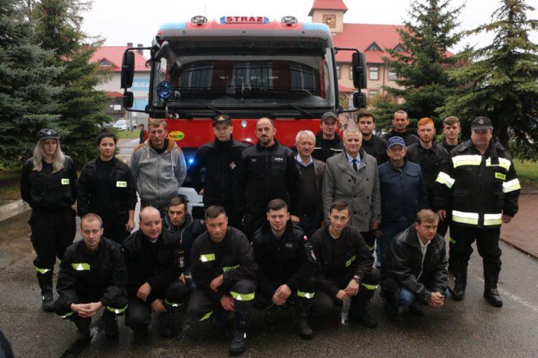 OSP Działoszyn ma nowy wóz strażacki