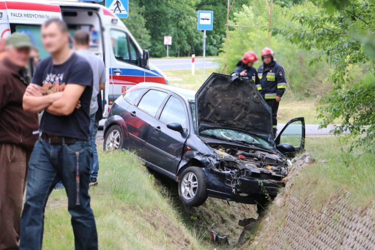 Wypadek w gminie Nowa Brzeźnica: Zderzenie BMW z Fordem