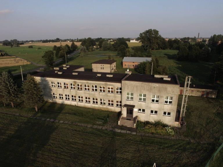 Co dalej z budynkiem po szkole w Gajęcicach? [ANKIETA]