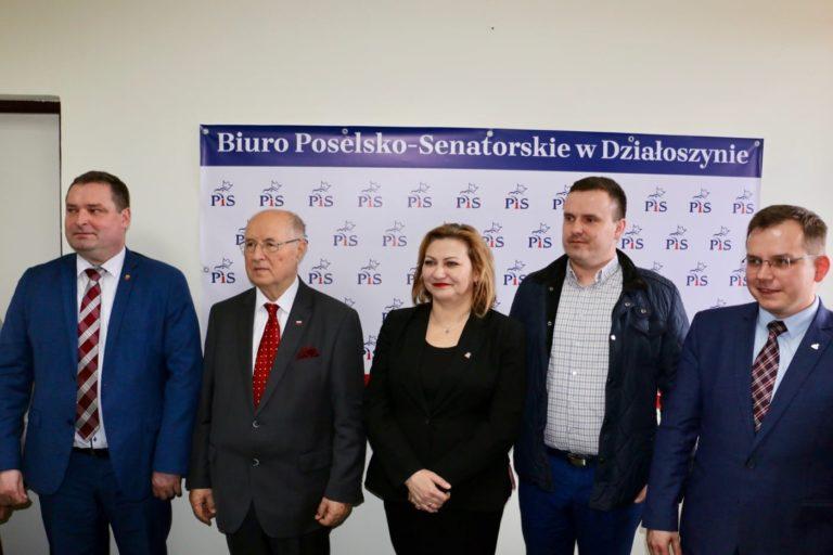 Otwarcie biura poselskiego Pawła Rychlika w Działoszynie
