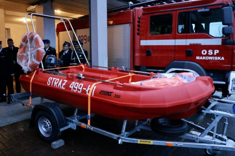 OSP Makowiska ma nową łódź. Jest szansa na wóz strażacki!