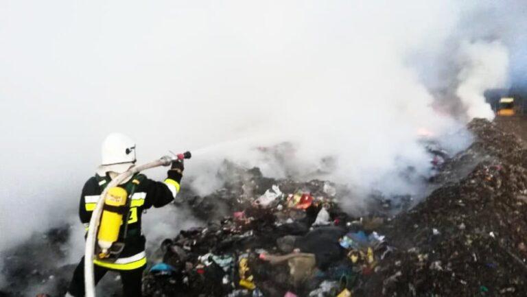 Pożar na składowisku śmieci pod Pajęcznem
