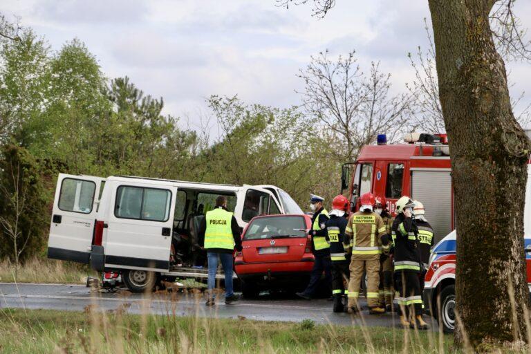 Śmiertelny wypadek w Dworszowicach Kościelnych. Nie żyją dwie osoby