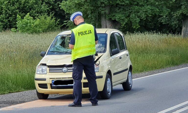 Wypadek w Pajęcznie. Rowerzysta trafił do szpitala