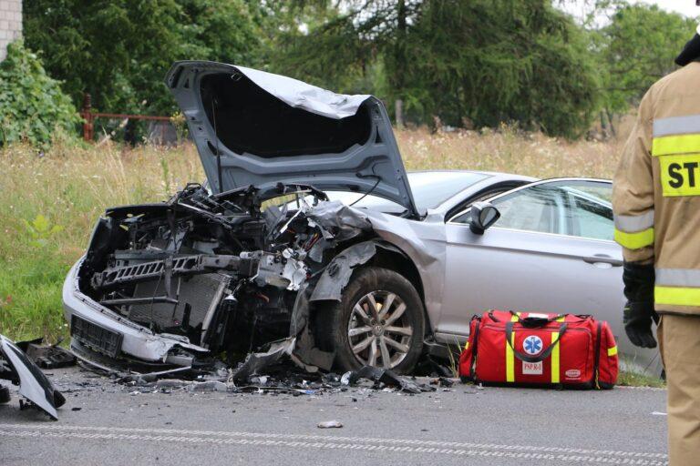 Poważny wypadek na DW 483 w Woli Wydrzyna