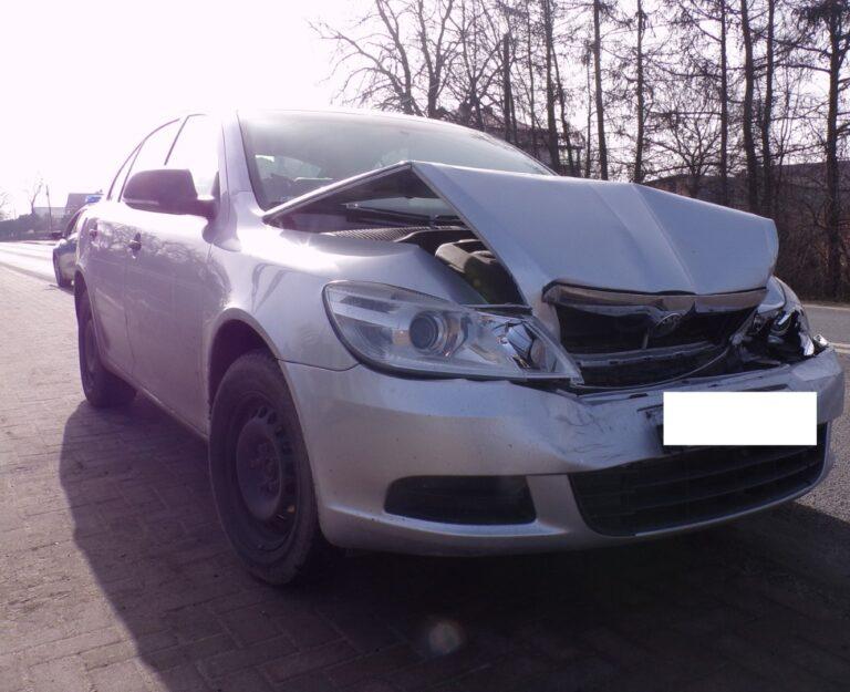 Nietrzeźwy kierowca spowodował kolizję trzech aut