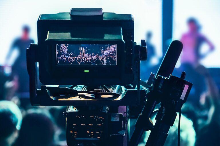 Jak przygotować się do zlecenia realizacji filmu reklamowego dla swojej firmy?