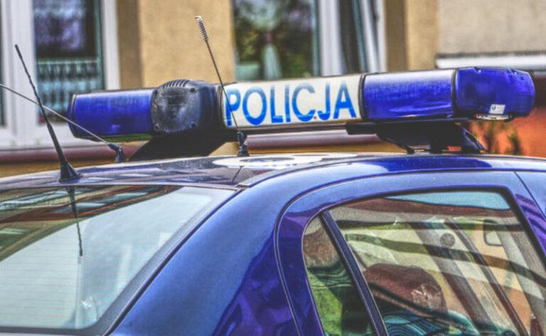 72-latka okradziona na 10 tysięcy złotych. Policja poszukuje sprawców