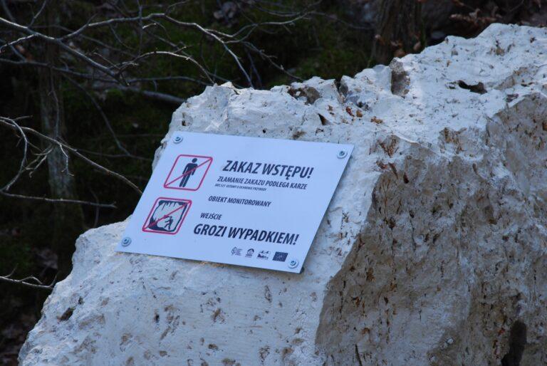 Jaskinia Szachownica. Turyści łamią zakaz wstępu