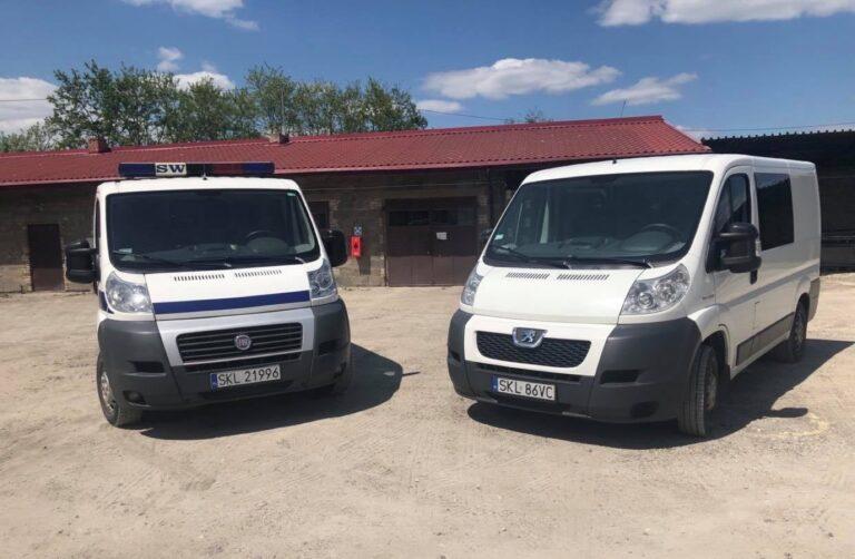 Służba Więzienna przekazała gminie samochody